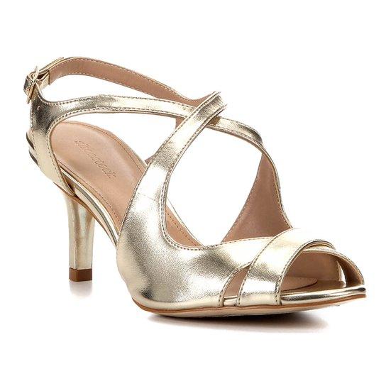 Sandália Shoestock Metalizada Salto Médio Tiras Feminina - Dourado
