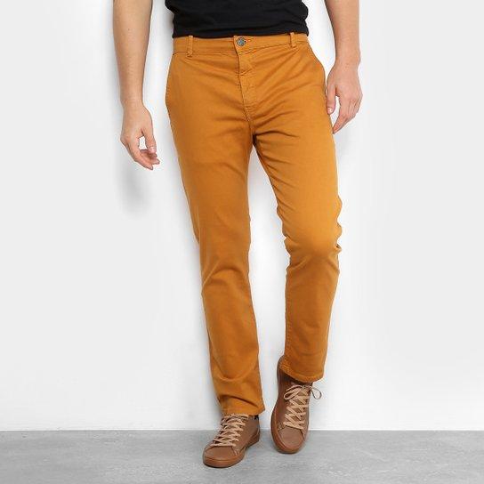 6d15a1bef Calça Sarja Reta Ellus Color Power Straight Bolso Faca Masculina - Marrom  Claro