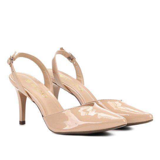 2867a71e1 Scarpin Via Uno Salto Médio Chanel Verniz Recorte Vamp - Nude ...