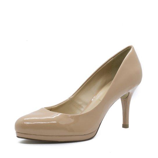 097e8420cb Scarpin Shoes INBOX Retrô Verniz Feminino - Compre Agora