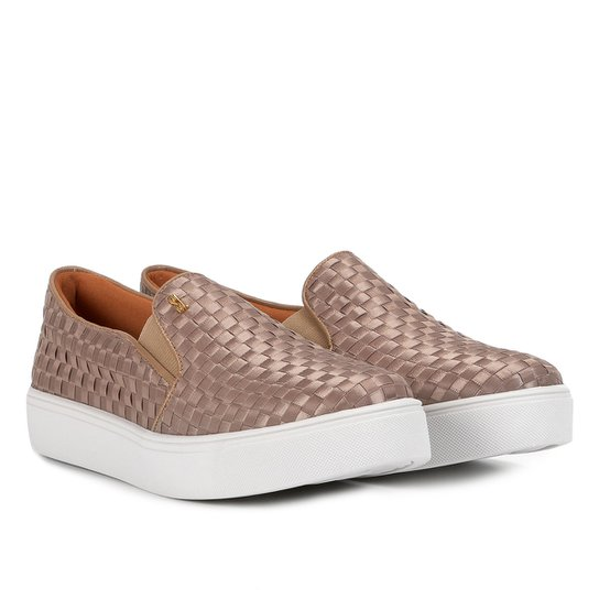 7dad598ac Slip On Santa Lolla Tressê Feminino - Nude | Zattini