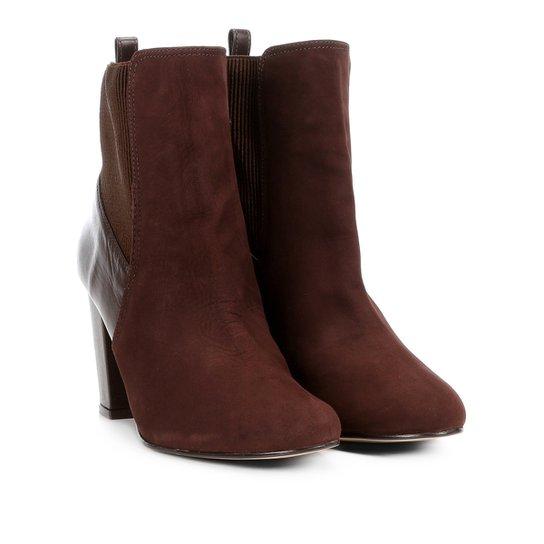 a4a524f8b9 Bota Couro Cano Curto Shoestock Salto Grosso Feminina - Compre Agora ...