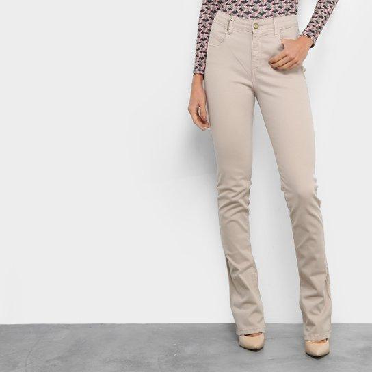 7677d26e7 Calça Jeans Flare Lança Perfume Cintura Alta Feminina | Zattini