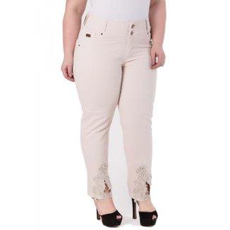66f424ead Calças Jeans Confidencial Extra - Roupas   Zattini