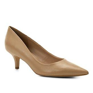 56908a57f1 Scarpin Couro Shoestock Salto Baixo Bico Fino