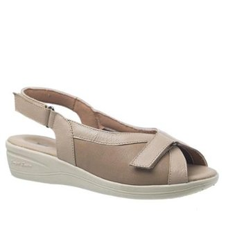 2b5e5073e Sandália Anabela Esporão em Couro Doctor Shoes Feminino