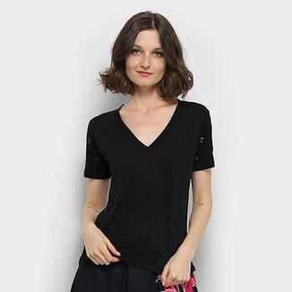 077f152801615 Camiseta Aura Ilhós Gola V Feminina