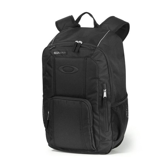 Mochila Oakley Enduro 22L 2.0 Backpack Blackout - Compre Agora  0a66cf962bf