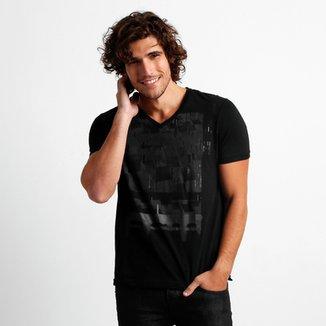 fcd1b3ae37 Camiseta Calvin Klein Estampada
