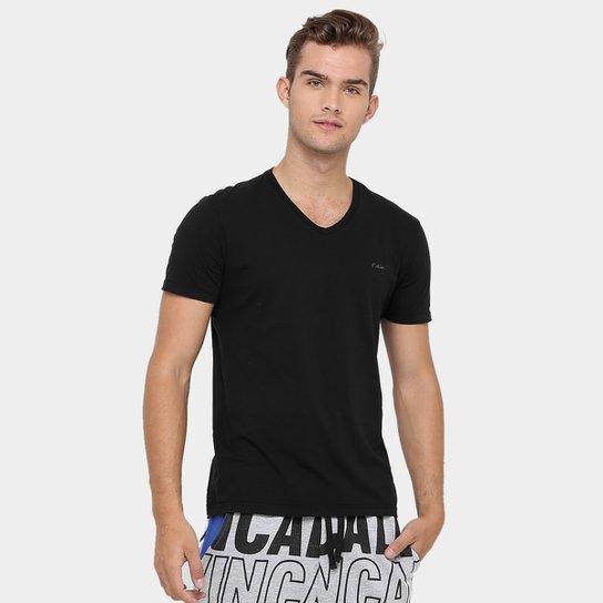 Camiseta Calvin Klein Gola V Básica - Compre Agora   Zattini 4dba1349a0