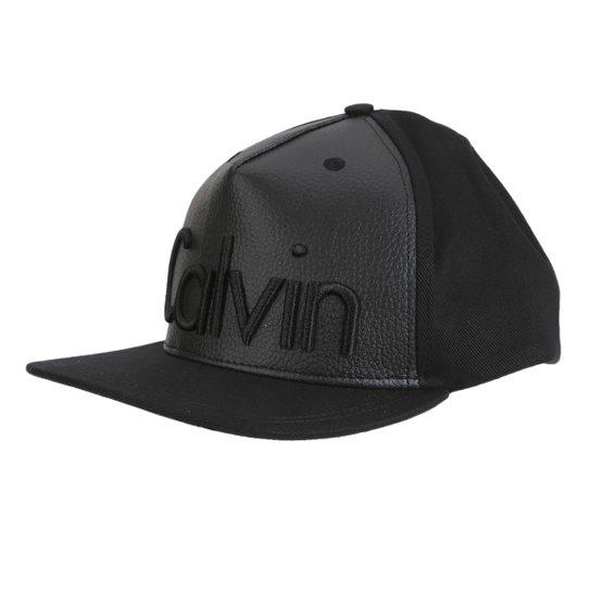 Boné Couro Calvin Klein Aba Reta Logo Masculino - Compre Agora  1acc0494462