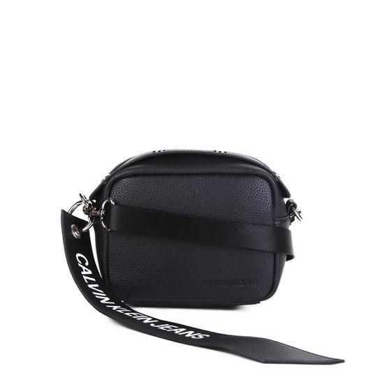 ad9e5ecb1 Bolsa Calvin Klein Transversal Logo Feminina - Preto | Zattini