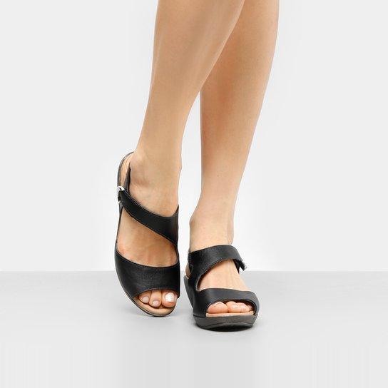e1ac824fb Sandália Couro Usaflex Velcro Feminina - Compre Agora