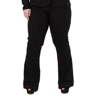 9c56bfd91 Calça Feminina Confidencial Extra Flare em Sarja com Elastano Plus Size