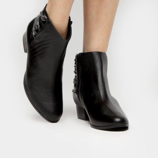 b4232cfdb7 Bota Couro Shoestock Cano Curto Correntes Feminina - Preto - Compre ...