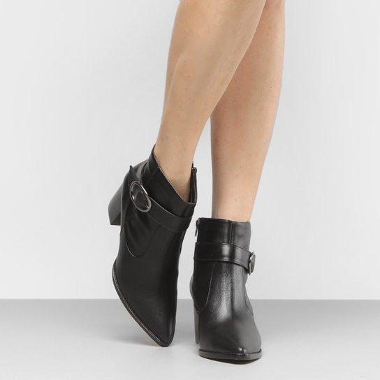 40da48b73 Bota Couro Cano Curto Shoestock Bico Fino Feminina | Zattini
