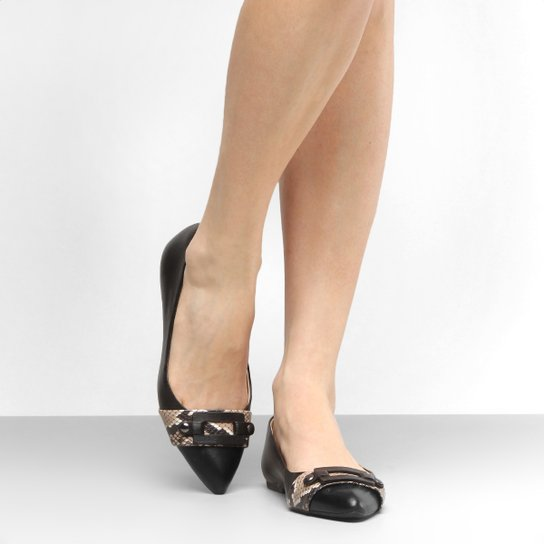 0534e431c7 Sapatilha Couro Shoestock Bico Fino Fivela Feminina - Preto