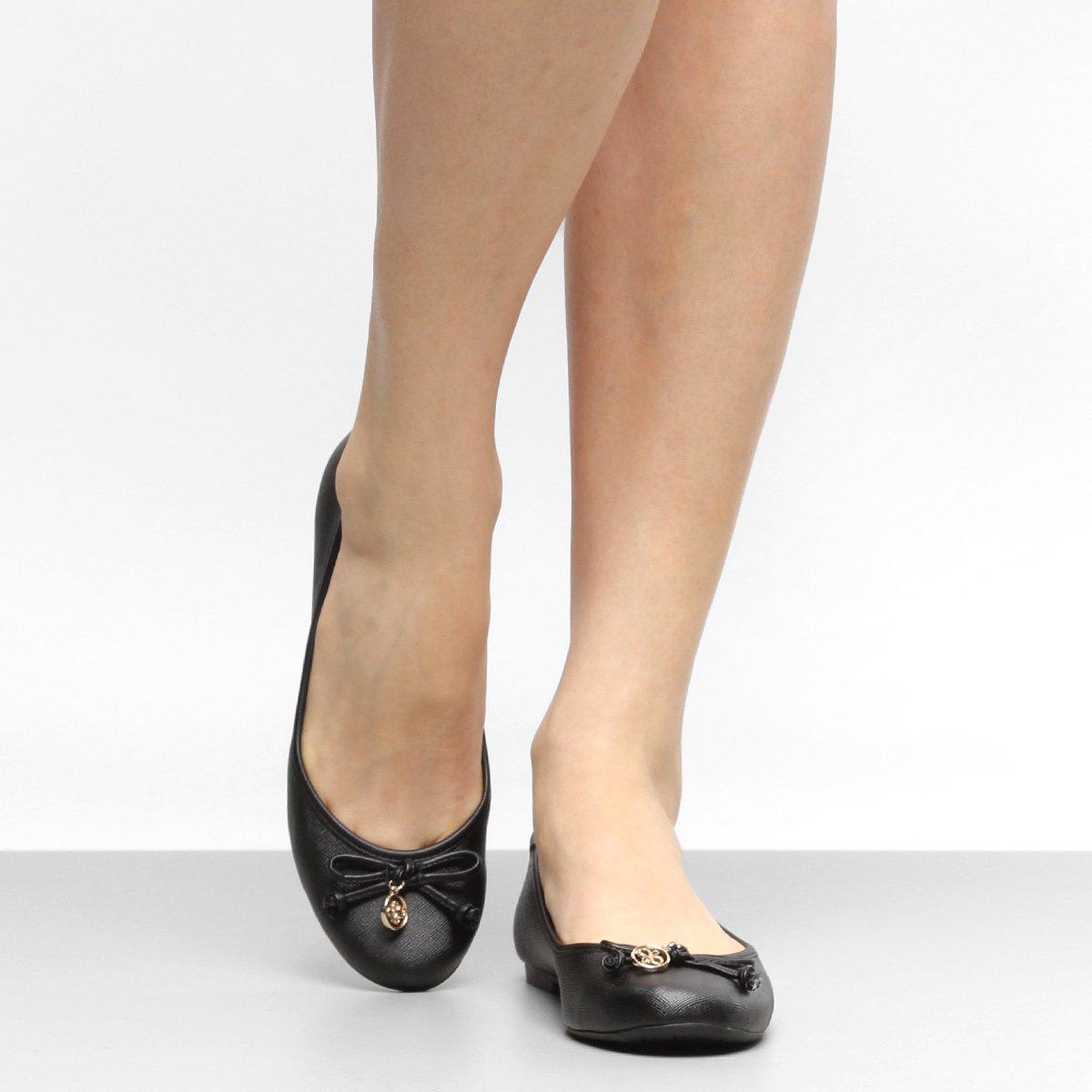3fbbdf53d Sapatilha Shoestock Bico Redondo Medalha Feminina