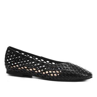 46077fac4 Sapatilha Couro Shoestock Bico Redondo Vazada Feminina