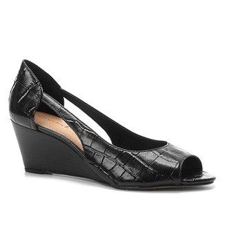 58a167691a Peep Toe Couro Shoestock Anabela Croco
