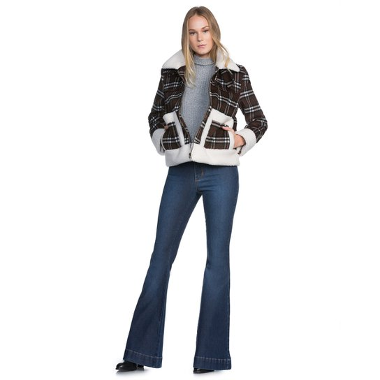 9d6eff733 Calça Amaro Jeans Flare Detalhe Bolso | Zattini