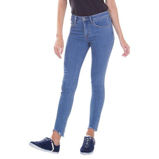 Calça Jeans Levis 721 High Rise Skinny Feminina - Azul - Compre ... 53bb600725
