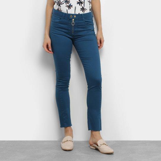 b778440c9 Calça Skinny Maria Filó Bolso Recortado Cintura Média Feminina - Azul