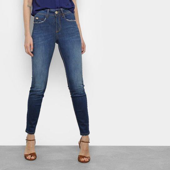 0b66b2b442 Calça Jeans Skinny Colcci Cory Cintura Média Feminina - Compre Agora ...