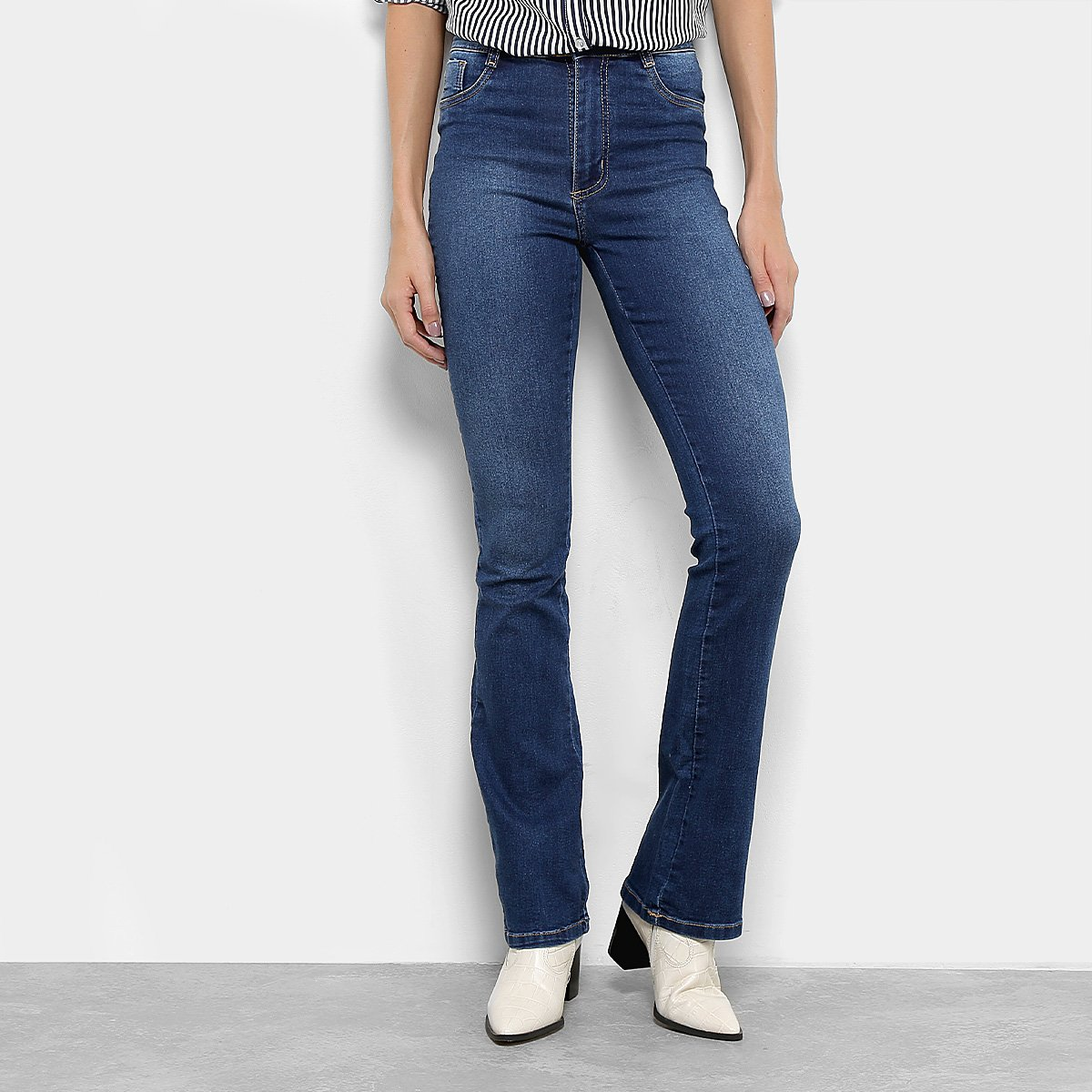 bf72e511f Calça Jeans Flare Sawary Hot Pants Cintura Média Feminina
