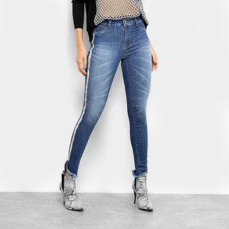 9a28d6663 Calça Jeans Cigarrete Sawary Estonada Cobra Lateral Cintura Média Feminina