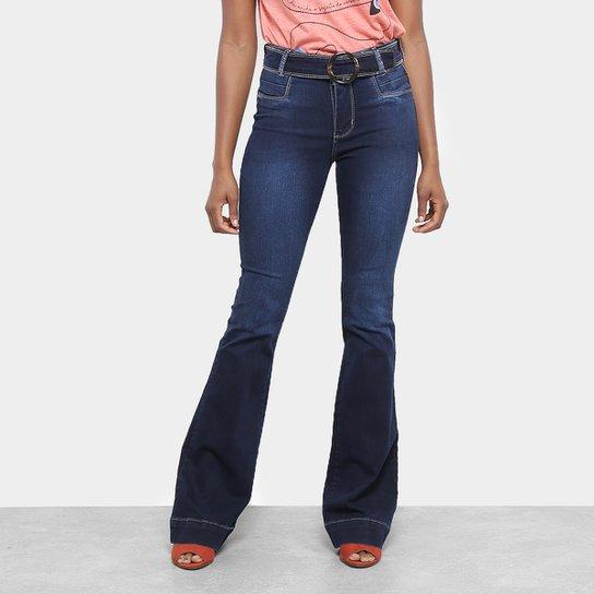 17d4fce656 Calça Jeans Flare Sawary com Cinto Feminina - Azul - Compre Agora ...