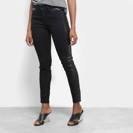 757d30e7a Calça Jeans Cigarrete Sawary Detalhe Couro Sintético Cintura Média Feminina  - Azul