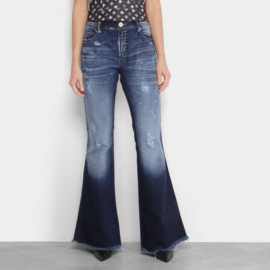 Calça Jeans Flare Lança Perfume Low Comfort Estonada Puídos Barra Desfiada  Cintura Média Feminina - Azul 1674449c254
