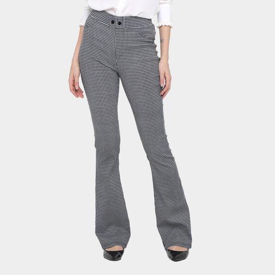 d55f0031ca Calça Flare Forwhy Xadrez Cintura Alta Feminina - Compre Agora
