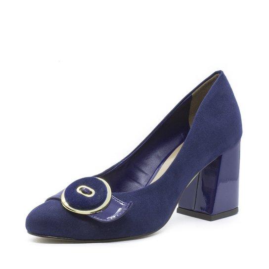 048c9cfcba Scarpin Shoes Inbox Retrô Button em Verniz - Compre Agora