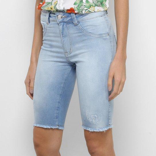 c0e80ff4e9 Bermuda Jeans Biotipo Corsário Barra Desfiada Feminina - Azul Claro