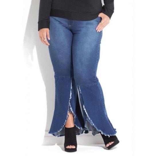 Calça Jeans Plus Size Barra Desfiada e Transpassada Quintess Feminina - Azul c57e1714a5f