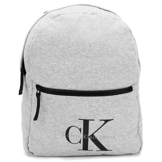 Mochila Calvin Klein Fechamento Frontal Logo - Compre Agora   Zattini e10bb883c0