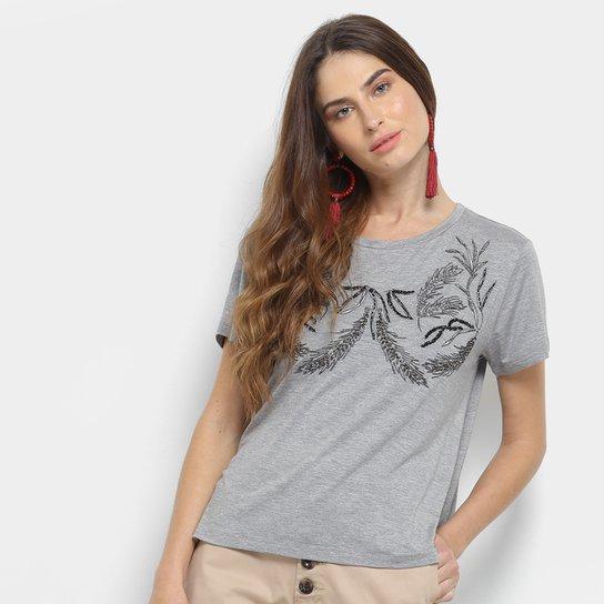 31a467fb7 Camiseta Maria Filó Bordada com Apliques Feminina - Cinza - Compre ...