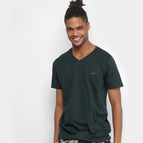 02a4b2d9fa Camiseta Colcci Gola V Básica Masculina - Verde escuro