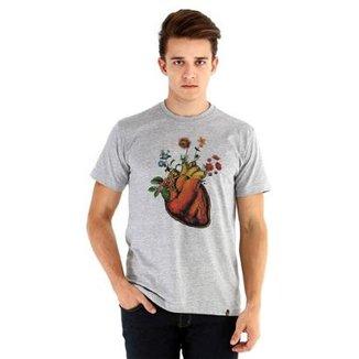 e3ed0b1afe Camiseta Ouroboros Manga Curta Coração