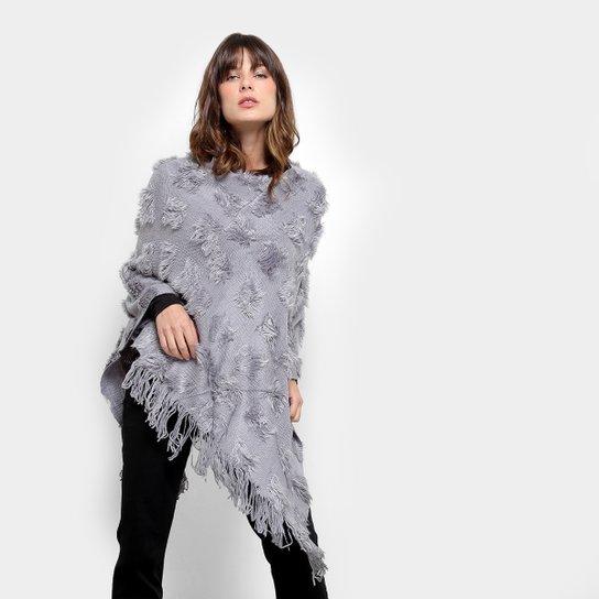 Poncho de Tricô Lily Fashion - Compre Agora  90934dfa1a731