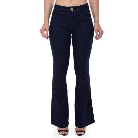 77afdca57 Calça Jeans Mid Rise Flare Low Denúncia Feminina - Compre Agora ...
