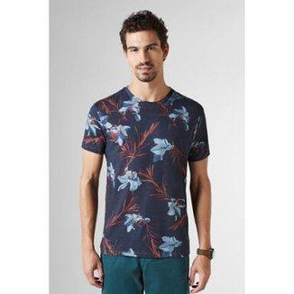 c1fffe9e2377b Camiseta Estampada Full Floral Lirios Reserva Masculina