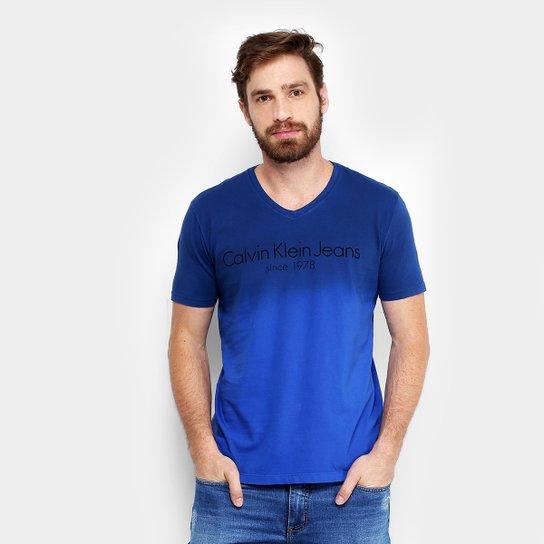a152d45bbf3b5 Camiseta Calvin Klein Degradê Masculina - Compre Agora