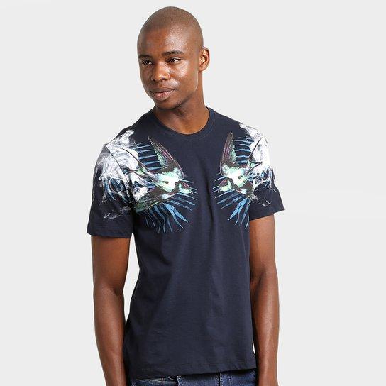 3c58d1b6b5 Camiseta Cavalera Andorinha Fumaça - Compre Agora