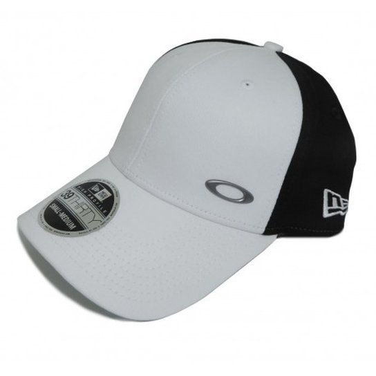 Boné Oakley Tinfoil Branco - Branco - Compre Agora  4909c49a6c9c9