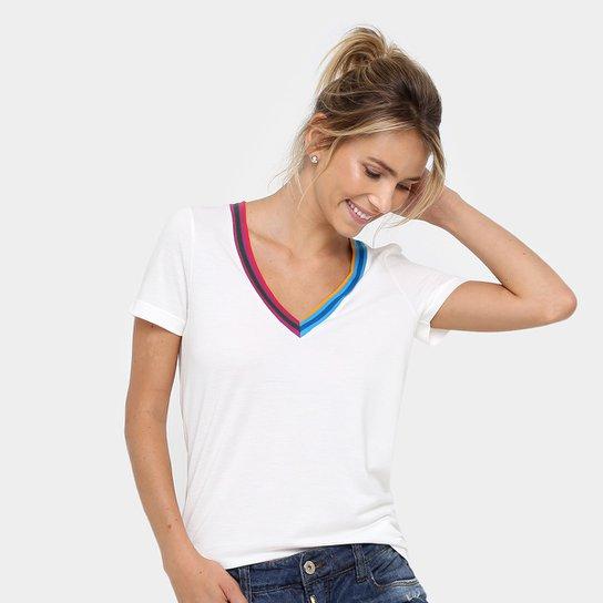 Casmiseta Lacoste Decote V Colorido Feminina - Compre Agora   Zattini ba8d54f515