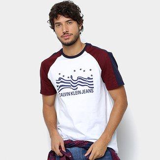 572dccdf1ae3a Camiseta Calvin Klein Bandeira E Logo Masculina
