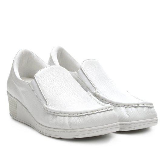 dfdbf126ec3 Sapato Slip On Couro Usaflex Salto Médio Feminino - Compre Agora ...